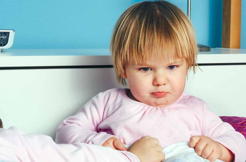 Du hjälper ditt barn att förstå känslor när du läser för ditt barn