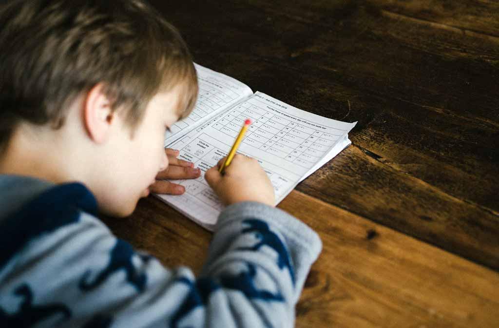 Att läsa för ditt barn ökar förmågan att förstå komplicerade frågor